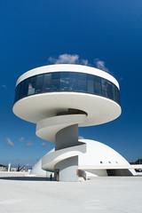 Centro Niemeyer en Avils (Asturias) - Arq. scar Niemeyer (agustiam) Tags: city sky people urban espaa white beautiful niemeyer architecture clouds circle nice spain arquitectura ngc like asturias aviles minimalism curve
