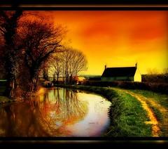 Brecon Canal (PAUL1852X) Tags: galleryoffantasticshots flickrstruereflection1 masterclasselite