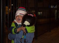 Hermanos (PielRoida) Tags: street children colombia gorro brothers bogot crying hermanos abrazo dientes bellow confianza