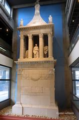 09-IMG_2692 (hemingwayfoto) Tags: monument museum kln architektur grabmal rmischgermanischesmuseum poblicius
