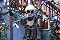 Jack Skellington (AGoofyGirl) Tags: disneyland spooky jackskellington timburton nightmarebeforechristmas neworleanssquare