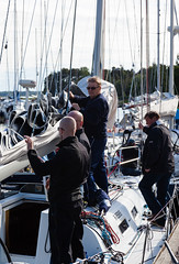 Auriga valmistautuu (Antti Tassberg) Tags: sea sport espoo sailing yacht offshore regatta meri sailingboat emk auriga purjevene purjehdus mellsten haukilahti alandia suursaarirace