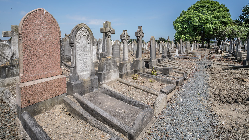 MOUNT JEROME CEMETERY AND CREMATORIUM IN HAROLD'S CROSS [SONY A7RM2 WITH VOIGTLANDER 15mm LENS]-117117