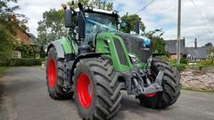 Fendt outside Marbury Church (Massey 550) Tags: fendt marbury wedding tractor