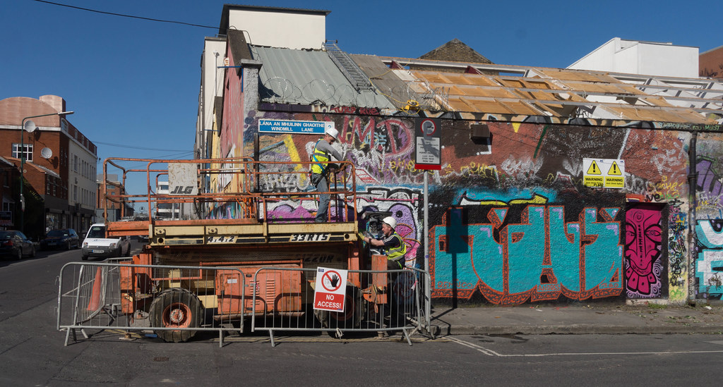 WINDMILL LANE STUDIO HAS BEEN DEMOLISHED { THE GRAFFITI WALLS ARE STILL STANDING] REF-103778
