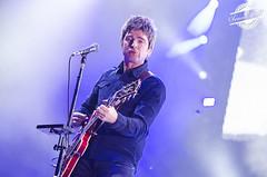 Noel Gallagher (3) (Jemma Dodd Photography) Tags: music birmingham livemusic indie guitarist musicphotographer noelgallagher musicphotography jemmadoddphotography noelgallaghershighflyingbirds gentingarena noelgallagherlive