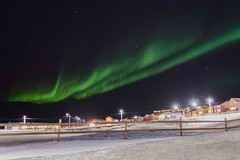 Heads up! (Benocrash) Tags: snow green norway night lights vert pole svalbard arctic aurora neige polar northern nuit borealis arctique longyearbyen northernmost polaire norvge aurores borales d7100