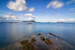 Brisa fresca (sergio estevez) Tags: luz azul marina landscape mar agua paisaje cielo nubes algeciras granangular largaexposicin estrechodegibraltar tokina1116mmf28 sergioestevez