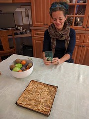 Cecil Castellucci's mom Lise baked us a square apple pie! Montreal, Quebec, Canada (gruntzooki) Tags: canada quebec alice montreal pies carbs yul pq cecilcastellucci pierround
