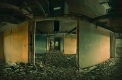 He visto cosas... (Batide Machado) Tags: panorama espaa yellow de tren spain ruins flickr ruin ruina walls zamora estacin abandonado castillaylen abandonated