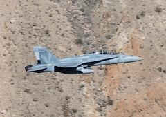 164254  'XE-444'  F/A-18D  USN/USMC  VX-9   'Vampires' (Churchward1956) Tags: california ca usa usmc aviation f18 vampires lowlevel fa18d vx9 specialmarks naschinalake 164254 xe444