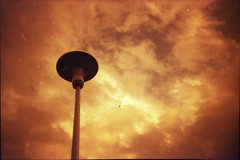 airplane (hnt6581) Tags: film analog toy lofi plastic modified disposable reloaded singleuse redscale redscaled hnt6581