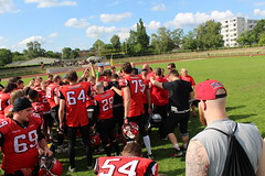 __IMG_9369 (blood.berlin) Tags: family fun coach referee team banner virgin magdeburg return qb win guards touchdown bulldogs tackle americanfootball punt fieldgoal spandau bulldogge gameball