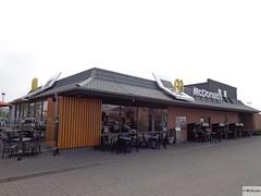 McDonald's Fehmarn Landkircherner Weg 44 (Germany) (mckroes) Tags: green germany deutschland drive store europa europe fastfood mcdonalds drivethru junkfood fehmarn 44 duitsland weg mcdo mcdrive fastfoodjoint mcauto automac landkircherner