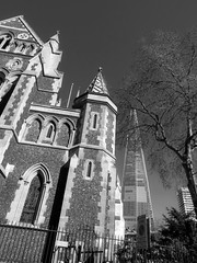 Southwark Cathedral (Dun.can) Tags: london monochrome blackwhite spring cathedral shard southwark se1 southwarkcathedral stsaviour theshard