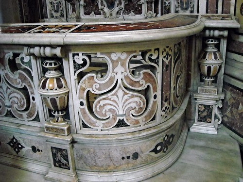 Balustrade (2nd half 17th century) - polychrome marbles - San Paolo Maggiore Church in Naples