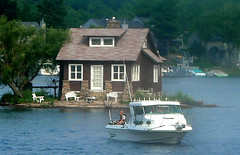 So relaxed , Thousand Islands , Canada (C.L.Quote) Tags: canada boat thousandislands soe prophoto betterthanever heartawards goldstaraward thebestofday gnneniyisi thebestshot thebestshots buildyourrainbow clickapic