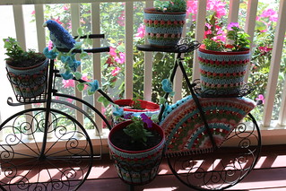 Yarn bombing my bike (Explored)