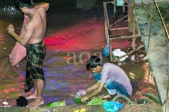 H504_3140 (bandashing) Tags: street longexposure light england men wet water night river manchester steps dry dirty clean wash bathe nightlife riverbank surma sylhet bangladesh socialdocumentary ghat aoa bandashing keanebridge akhtarowaisahmed