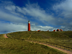 Vuurtoren van Texel (Ger Veuger) Tags: lighthouse weather clouds landscape coast dunes wolken duinen vuurtoren landschap noordholland dutchlandscape weer kust decocksdorp noordhollandslandschap