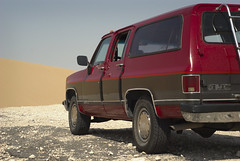 South Of Singing II (Doha Sam) Tags: summer digital sand nikon raw desert offroad suburban dunes 1991 wilderness gmc qatar burbie d80 southerndesert samagnew smashandgrabphotocom wwwsamagnewcom maketiff manualrawprocessing