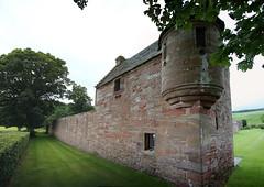 Edzell Castle (46) (arjayempee) Tags: edzellcastle angus forfarshire scotland castle towerhouse mounthpasses glenesk northesk lindsayofedzell earlofcrawford edzellcastlegardens stirlingofglenesk baronyofglenesk fortress courtyardcastle av6a548082stitch