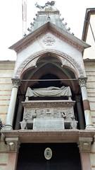 verona - arche scaligere (1) (giangian239) Tags: citt arte cultura verona veneto giulietta e romeo capuleti montecchi rocca castello torre piazza fiume adige veduta panorama arena scaligera statua dell amore