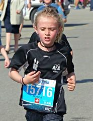 Fast girl (Cavabienmerci) Tags: girls sports girl sport kids race children schweiz switzerland kid  child suisse marathon running run course runners pied runner genve laufen 2016 lufer lauf coureur coureurs