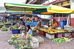 Street hawkers (chooyutshing) Tags: streethawkers fruits pasarpayangkuala terengganu malaysia