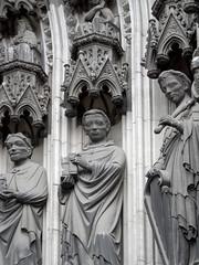 Klner Dom - Gewndefiguren des Dreiknigenportals (onnola) Tags: church facade germany deutschland cathedral dom kathedrale kirche cologne skulptur kln steinmetz nordrheinwestfalen figur fassade kingdavid melchior westseite northrhinewestphalia baldachin josias bildhauerei knigdavid figurenschmuck gewnde dreiknigenportal dreiknigsportal