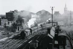 BR L1 67784 AT KINGS CROSS (Xdriver2) Tags: train l1 cross suburban kings british passenger railways thompson lner 264t 67784