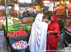 STREETS OF KARACHI (Bashir Osman) Tags: old city pakistan apple fruits shopping children asia southeastasia cityscape market vegetable carrots oranges bazaar grocery karachi seller sindh oldcity stalls paquistão cityscene shopkeeper southasia vendors buyers باكستان bashir 巴基斯坦 locality balochistan پاکستان travelpakistan 파키스탄 baluchistan pakistán کراچی indusvalleycivilization パキスタン leamarket streetsofkarachi lyari oldcityarea пакистан карачи bashirosman gettyimagesmiddleeast كراتشي καράτσι કરાચી कराची aboutpakistan aboutkarachi travelkarachi પાકિસ્તાન পাকিস্তান pakistāna pakistanas bashirusman bashirosman'sphotography