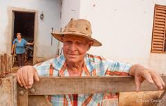 Os Tavares (Ivan Costa) Tags: family brazil portrait man hat familia brasil rural couple retrato country rusty sp simple casal homem ferrugem socorro simples chapeu