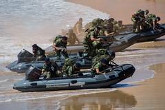 Dia da Marinha 2016 (P.J.V Martins Photography) Tags: beach portugal boat marine war gun speedboat lisboa lisbon rifle navy maritime oeiras marines machinegun marinha portuguesa fuzileiros fuzileiro beachassault