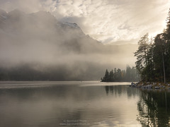 Autumn at Eibsee (Bernhard_Thum) Tags: bernhardthum thum eibsee zugspitze autumn herbst alps wetterstein h5d60 hc3550ii hasselblad elitephotography landscapesdreams capturenature rockpaper daarklands legacy tistheseason
