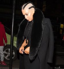 kim-kardashian-post-baby-fashion-week (marisabuffagni) Tags: cute look hair nude kim bare smooth shaved bald style pomo crop bang buzzed zero clipper capelli macchinetta liscia sedere rasata scalpo frangia tonsura tosata chierica kardashian pelata rapata