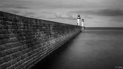Le port - Le PALAIS -56- (f.ray35) Tags: blackandwhite port long exposure noiretblanc bretagne morbihan britany filtre poselongue nd1000