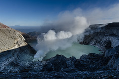 Gunung Ijen crater and lake (JohnMawer) Tags: indonesia volcano java jawatimur ijen sempol