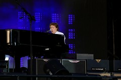 Paul McCartney at Grand Piano (NM_Pics) Tags: munich mnchen paul beatles olympicstadium mccartney paulmccartney olympiastadion oneonone