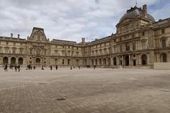 Muse du Louvre (CamJrOff) Tags: france paris town city old road life art photographie pic picture architecture louvreg7x arcdetriomphe louvre pyramide sculpture batiment jr g7x