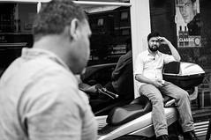 Classic (tuti_s11) Tags: street london streetphotography londres bnw reportage blackwhitephotography nikond810