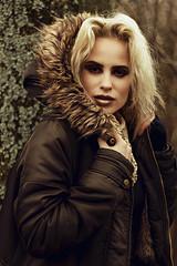 Jane (nash_garden) Tags: holland tree netherlands amsterdam arbol jacket blonde rubia holanda invierno mode chaqueta
