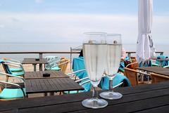 Ach manno.... (   flickrsprotte  ) Tags: strand sommer sonne ostsee lecker prosecco jammy dnischnienhof flickrsprotte strandschlschen