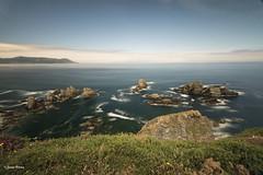 El acantilado (SoniaPerea) Tags: longexposure sea azul landscape mar rocks le rocas largaexposicion hiperfocal
