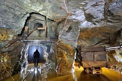 Berline (flallier) Tags: mine souterraine cuivre underground copper silhouette berline wagonnet rails voieferre railroad descenderie monterie mining eau water croisement