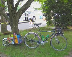 cargohack (Tysasi) Tags: bike trek shopping bob trailer 820 cargobike randonneur randonneuse 650b bobtrailer mountaintrack mountainhack bike05
