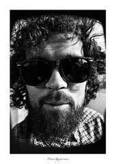 Mattia_Retrato @9 (Pietro Raciti Photographer ©) Tags: boy portrait white black blanco sol sunglasses canon de beard amigo friend retrato negro gafas usm chico sole canoneos bianco ritratto nero ef 1740mm barba ragazzo occhiali amico 500d f4l
