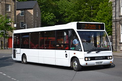 Kirkby Lonsdale VX05HPU (Will Swain) Tags: lancaster 28th may 2016 lancashire bus buses transport travel uk britain vehicle vehicles county country england english north west town centre kirkby lonsdale vx05hpu former first midland red 1723 worcestershire council 5011 belle vue heaton chapel