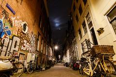 Amsterdam_08 (s4rgon) Tags: amsterdam architektur city nacht niederlande night stadt strase street thenetherlands town architecture noordholland nl