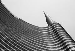IMGP8572 ([masterleo]) Tags: milan pentax minimal grattacielo palazzo furbo unicredit 18135